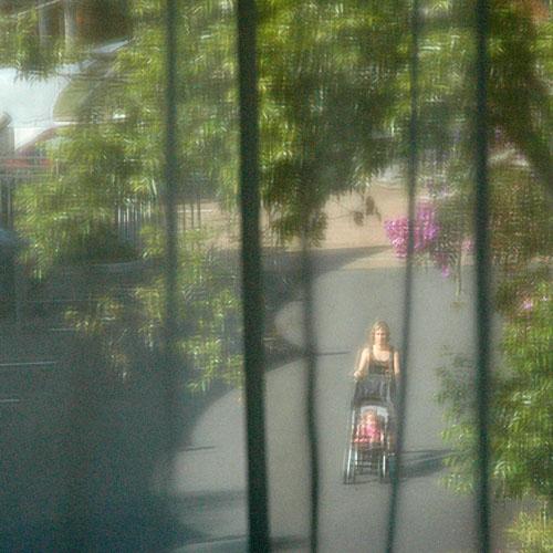 20040412-010-windowScene-2.jpg