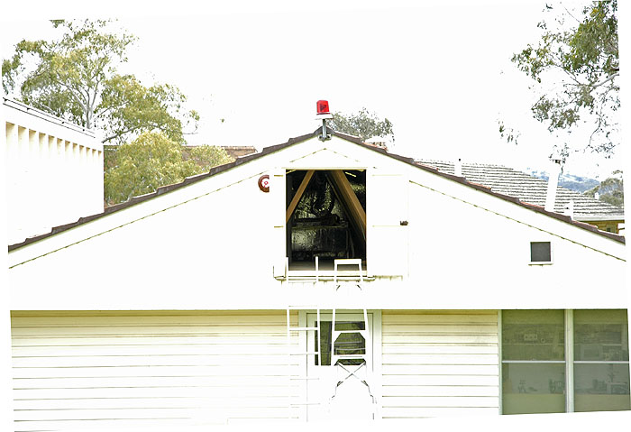 Spot metering to photograph inside dark roof space