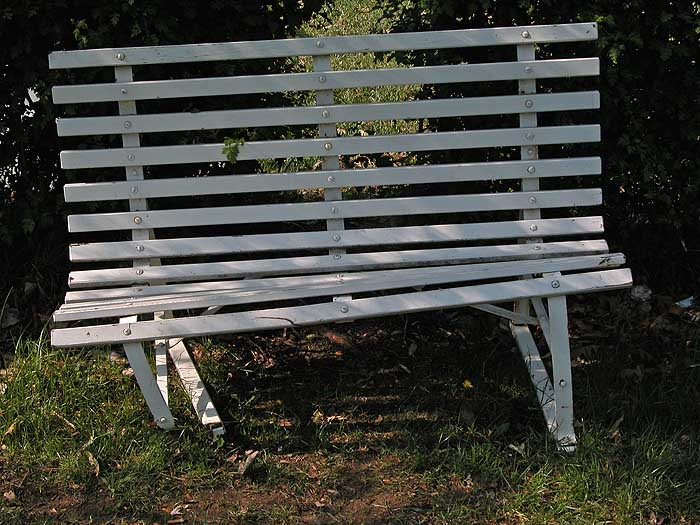 Tilted bench