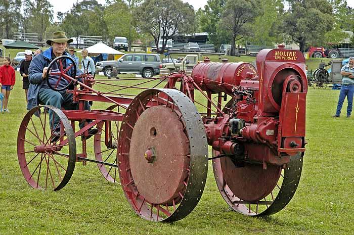 Moline tractor (c. 1919)
