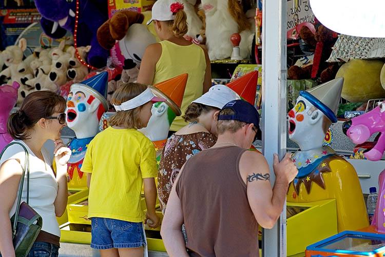 Clown sideshow