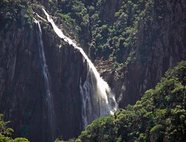Wollomombi Falls closeup