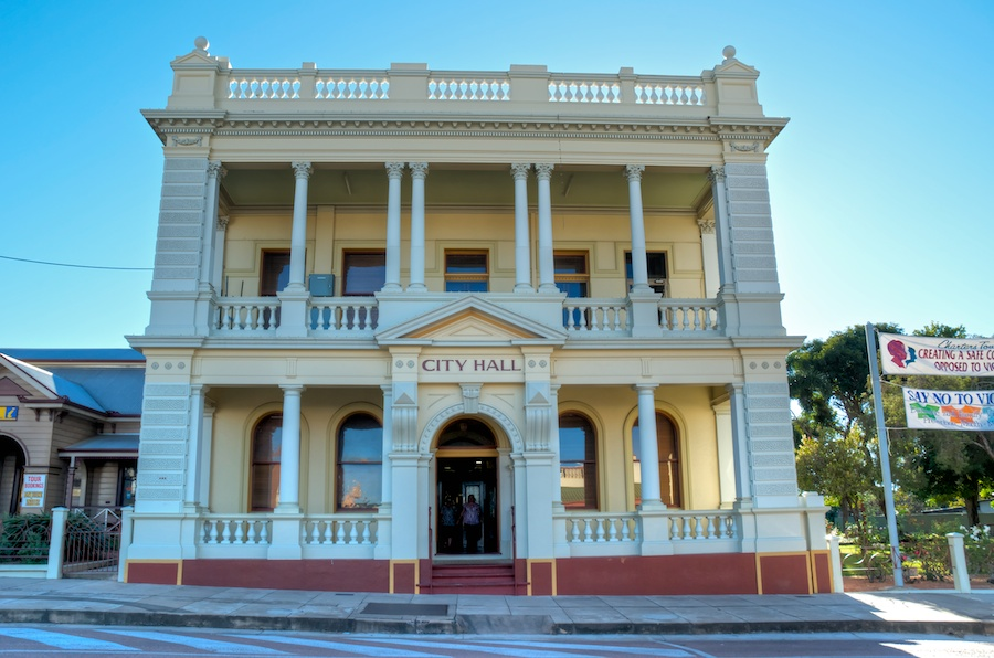 Outback 2011 Charters Towers City Hall 171 Lookandsee